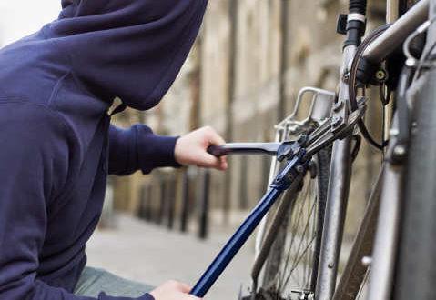 Vigevano: africano denunciato per il furto della bici in stazione