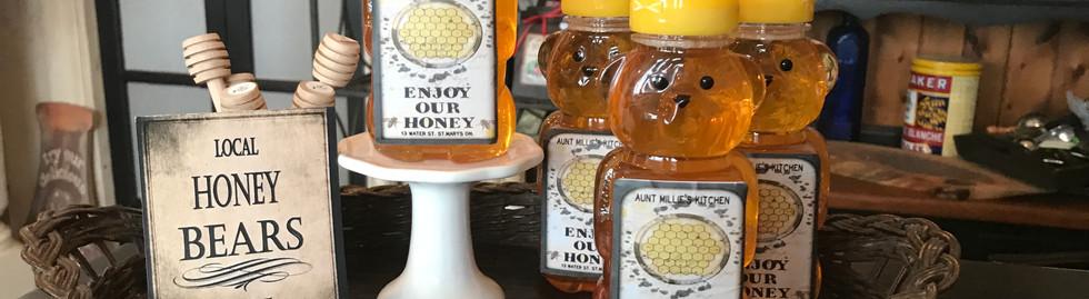 Aunt Millie's honey bears.JPG