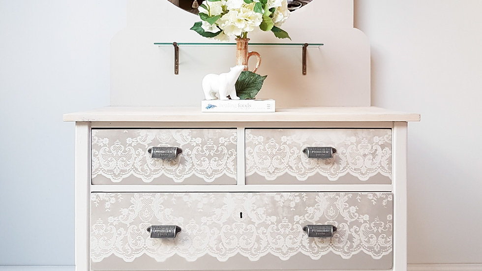 VINTAGE LACE CHEST OF DRAWERS WITH A MIRROR