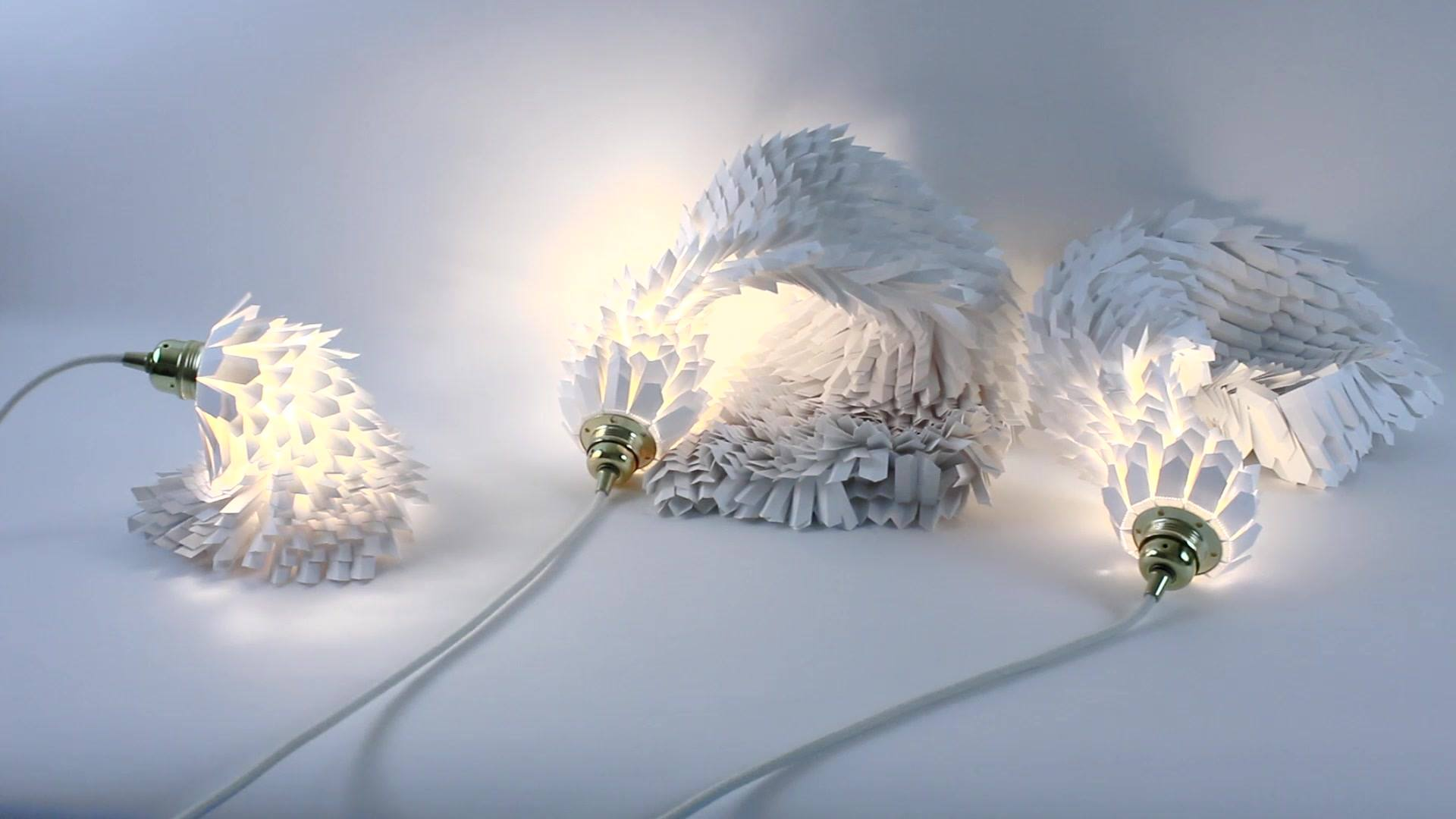 """Les Lampes Boas, une collection de lampes vivantes,  à la frontière des arts... ©ACS 2018 https://www.annecharlottesaliba.com/  extrait musical, """"points"""" Marc Blanchard  A partager...."""