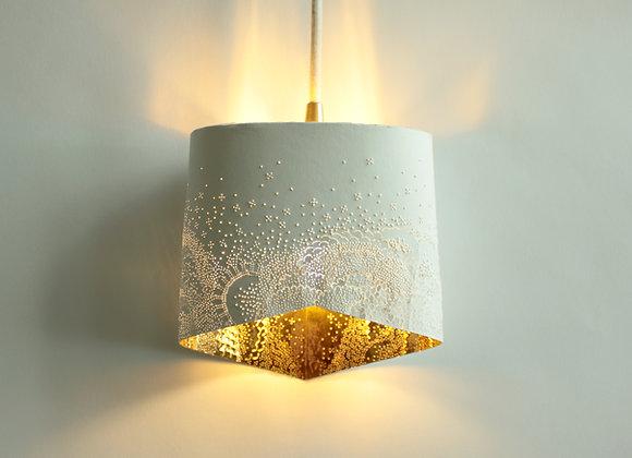 Lampe papier Baladeuse écaillée intérieur or éclairée