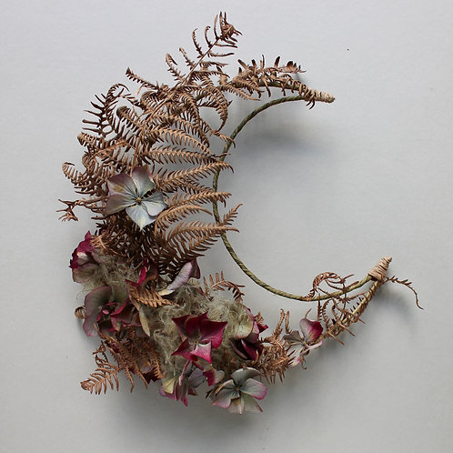 Crescent Moon Silouhette - Small Dried flower Wreath