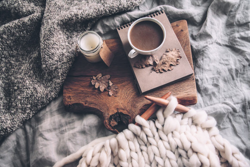 "5 Ways to Create a Cozy""Hygge"" Holiday!"