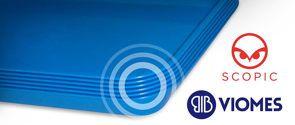 Blue plastic food tray metal detectable