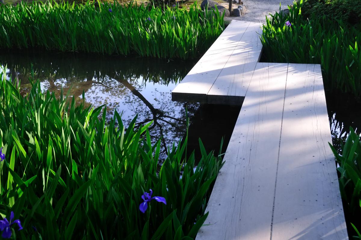 Kanazawa-Kenroku-en-Garden-bridge3_011