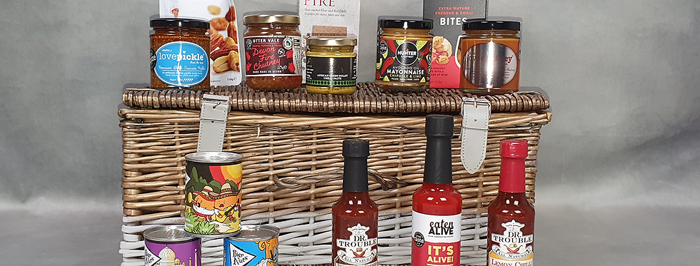A Chilli Christmas Hamper (supplied in a Straw Filled Box)