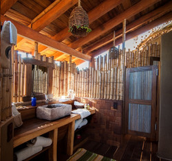 resort-sustentável-em-bambu-banheiro.jpg