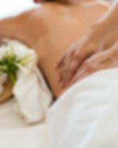 Aroma-Öl-Massage, sinnliche Düfte mit erholsamn Aromen und eine vollkommene Entspannung und Heilung