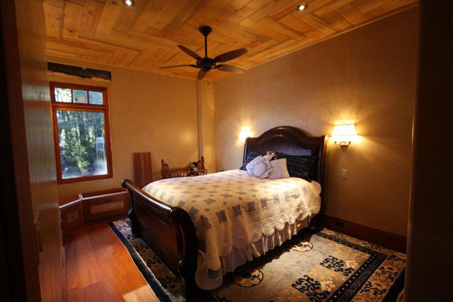 12-09-09 4th Bedroom 1.jpg