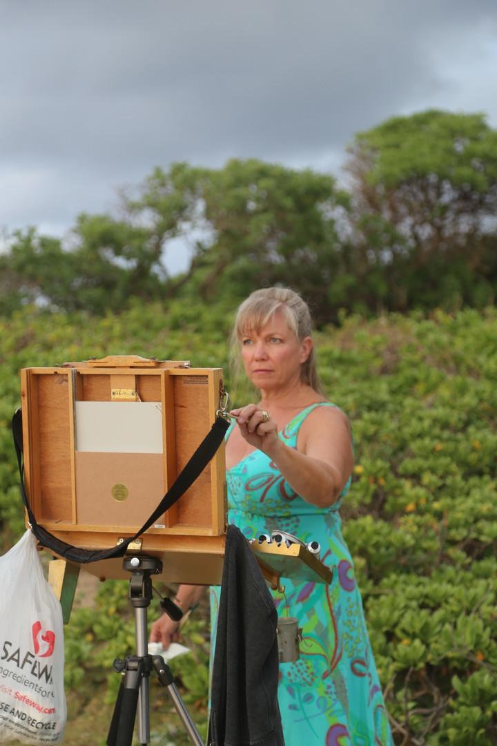 Jan Jewell painting in Hawaii