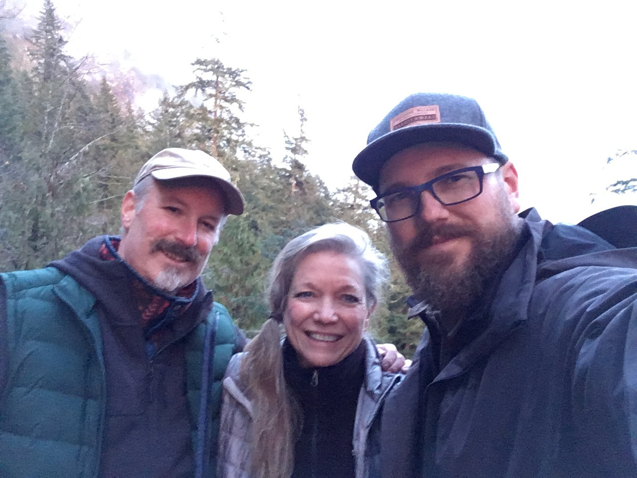 Jan Jewell painting with Mark Boyle and Jeremy Lipking