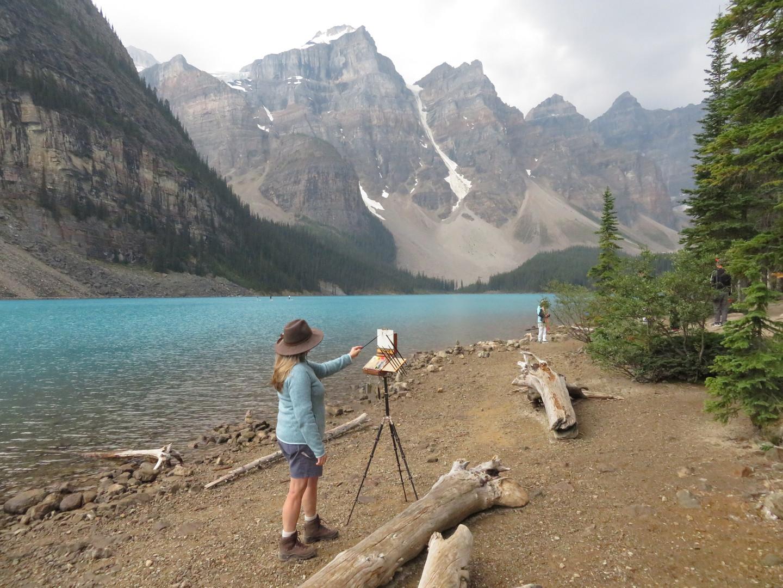 Jan Jewell painting at Moraine Lake
