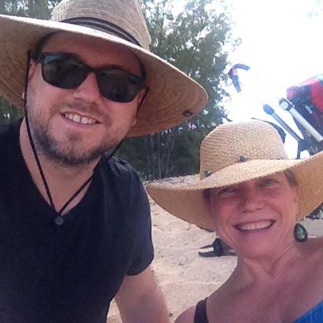 Jan Jewell and Jeremy Lipking in Hawaii