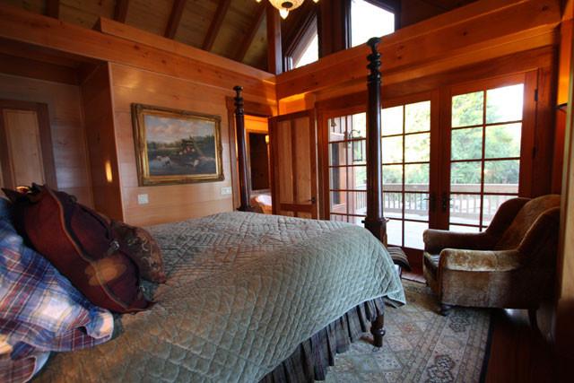 12-09-09 Master Bedroom 03.jpg