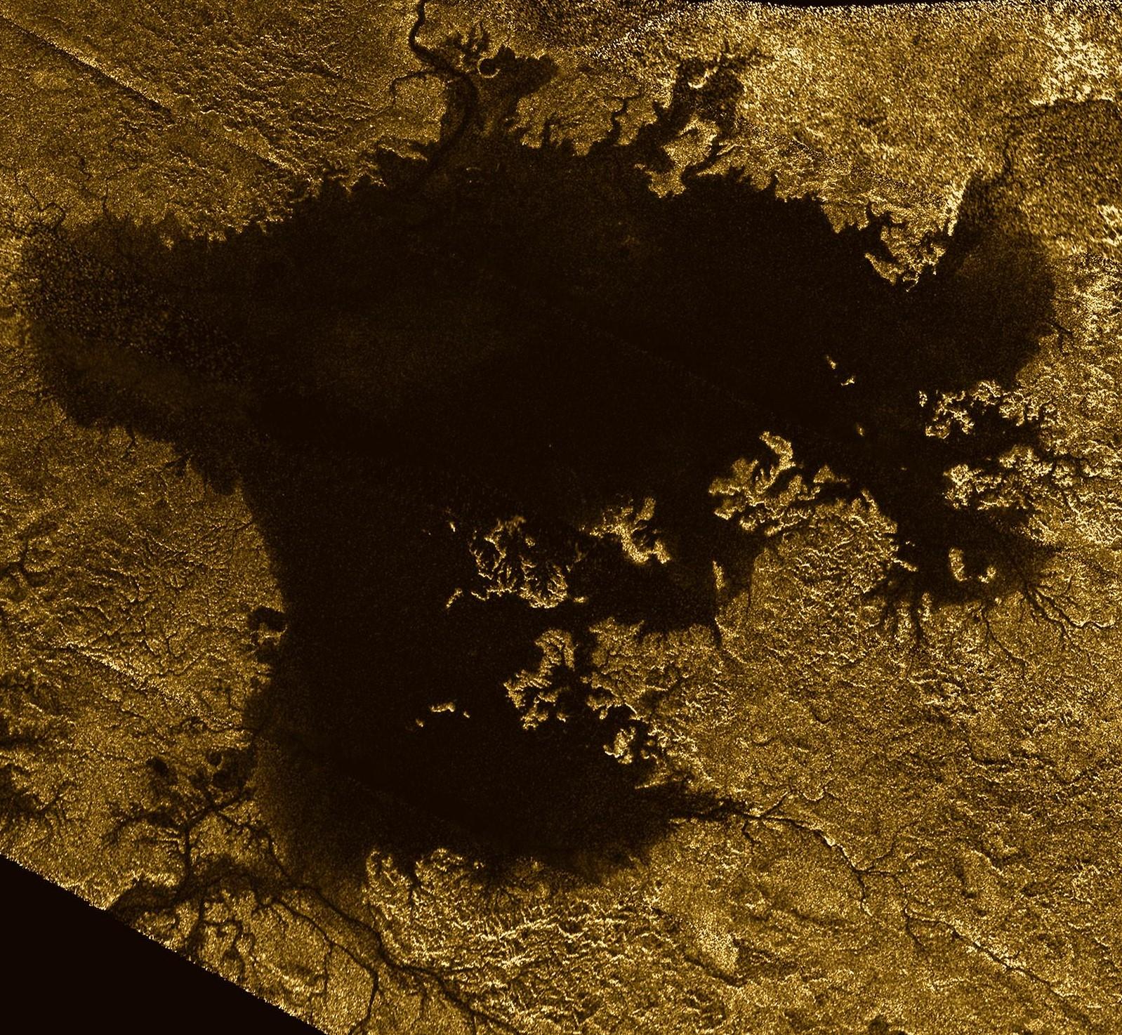 Lake in Titan.jpg