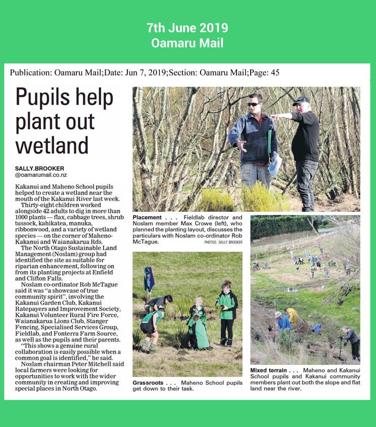 pupils help with planting work oamaru ma