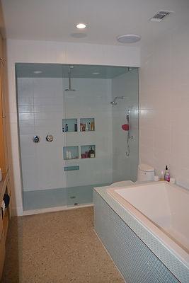 23_Master Bath.JPG