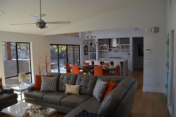 13_Living Room.JPG