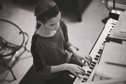 2015-10-06---Myia-playing-piano