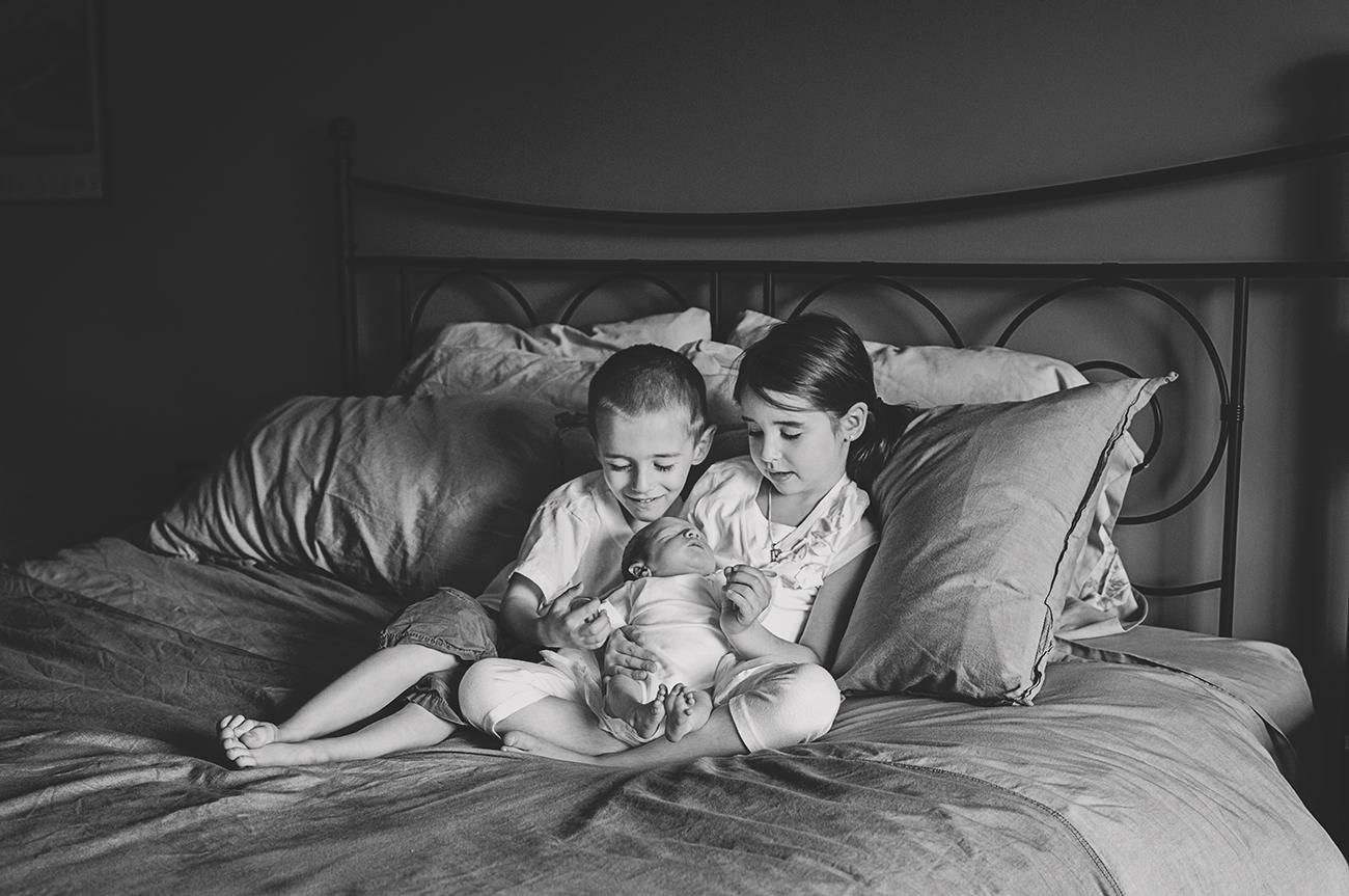 2011-05-28 - Siblings on the bed1 (99 REEDIT B&W)