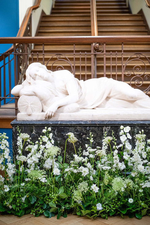 emma-norton-flowers-evoke-pictures-lifestyle-photography-museum.jpg.jpg
