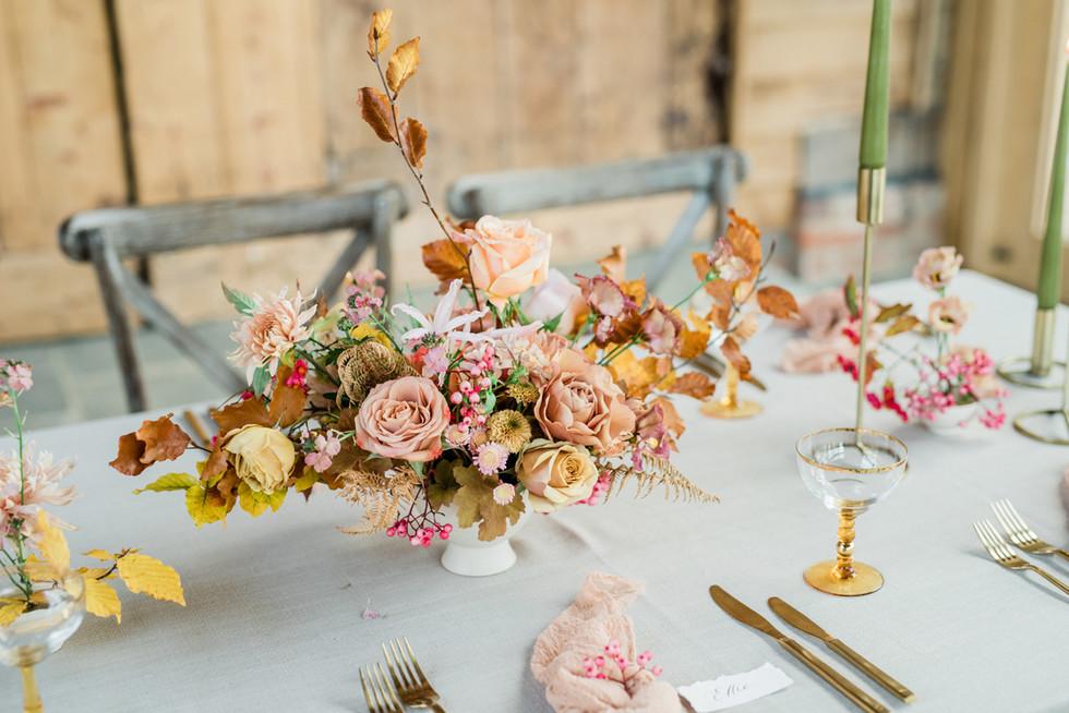 112-Elegant-Autumn-Wedding-Flowers-Decor
