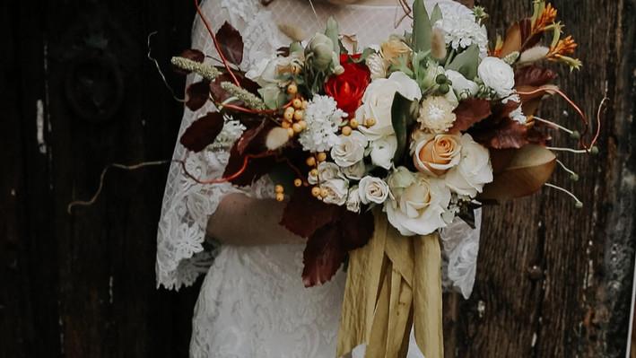 emma-norton-flowers-court-house-farm-wedding.jpg