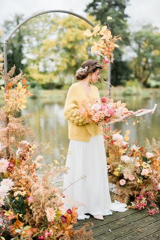 65-Elegant-Autumn-Wedding-Flowers-Decor-