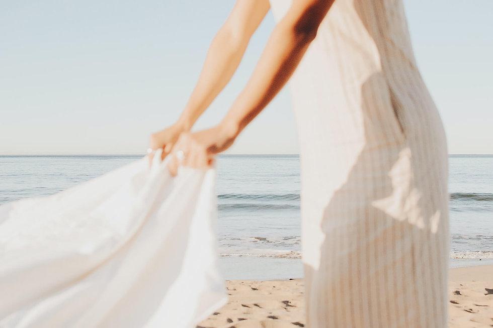 ivy-inks-paper-co-ellie-lou-photography-branding-design-beach-linen.jpg