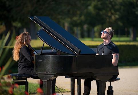 První videoklip projektu ,,Piano & Cello'' je na světě