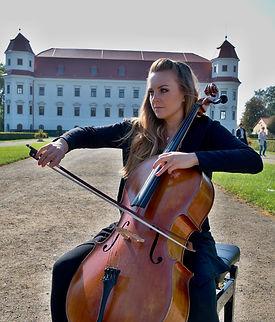 Iris Moris - Piano & Cello