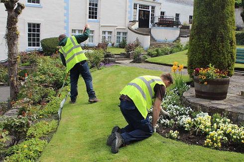 Garden-Maintenance-Beds.jpg