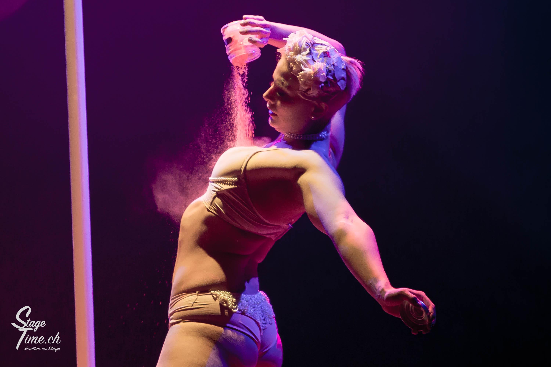 Cabaret_Lune_Noire_(Foto-_Christoph_Gurtner_-_Stagetime.ch)-56