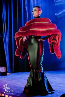 Michelle_L'amour___Zurich_Burlesque_Festival-14