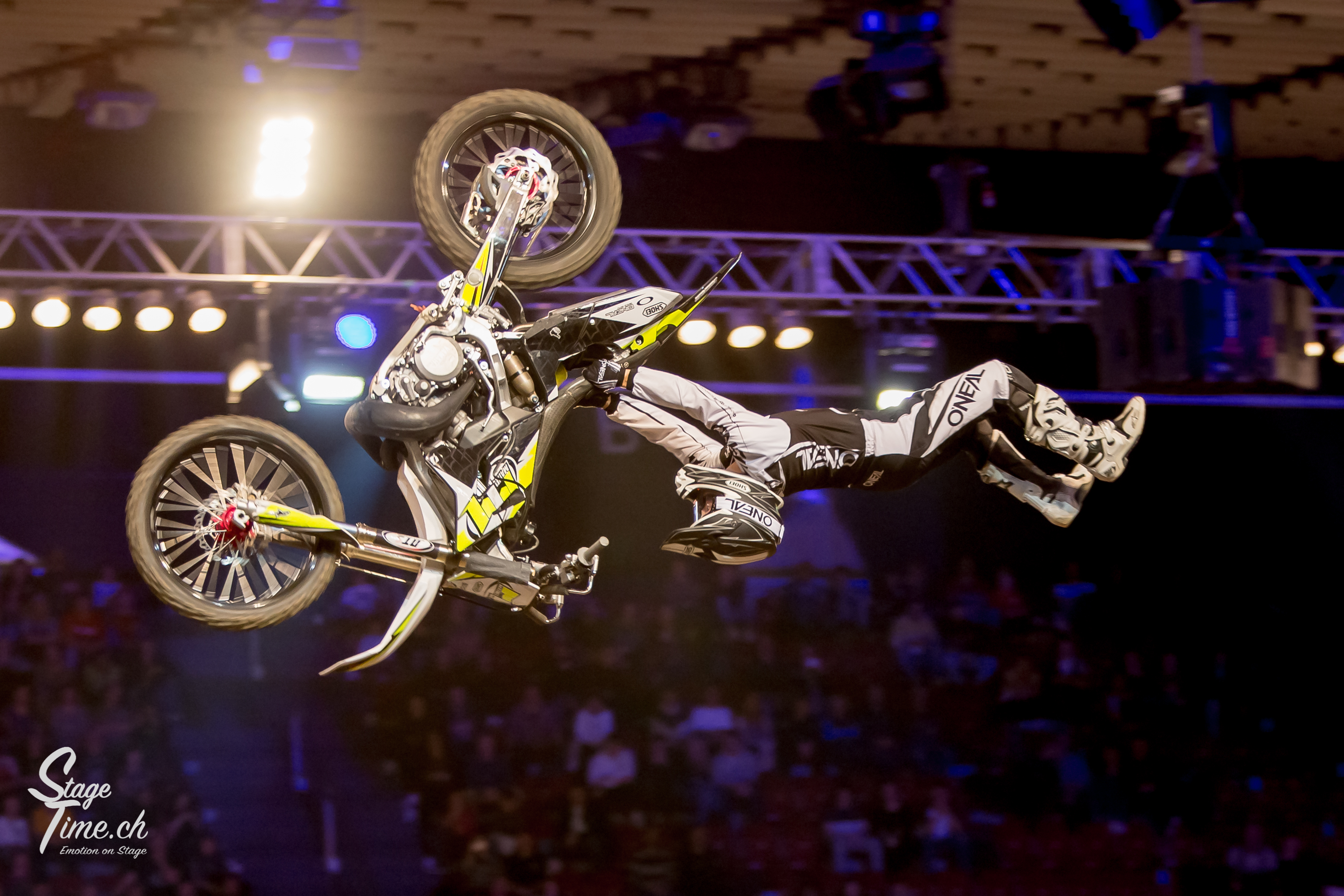 Night_of_the_Jumps_(Foto-Christoph_Gurtner-_Stagetime.ch)-108