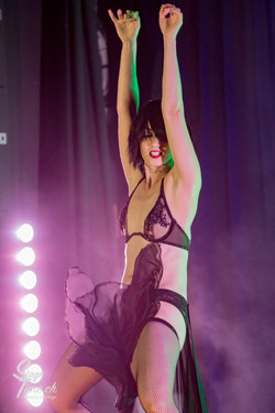 Michelle_L'amour___Zurich_Burlesque_Festival-7