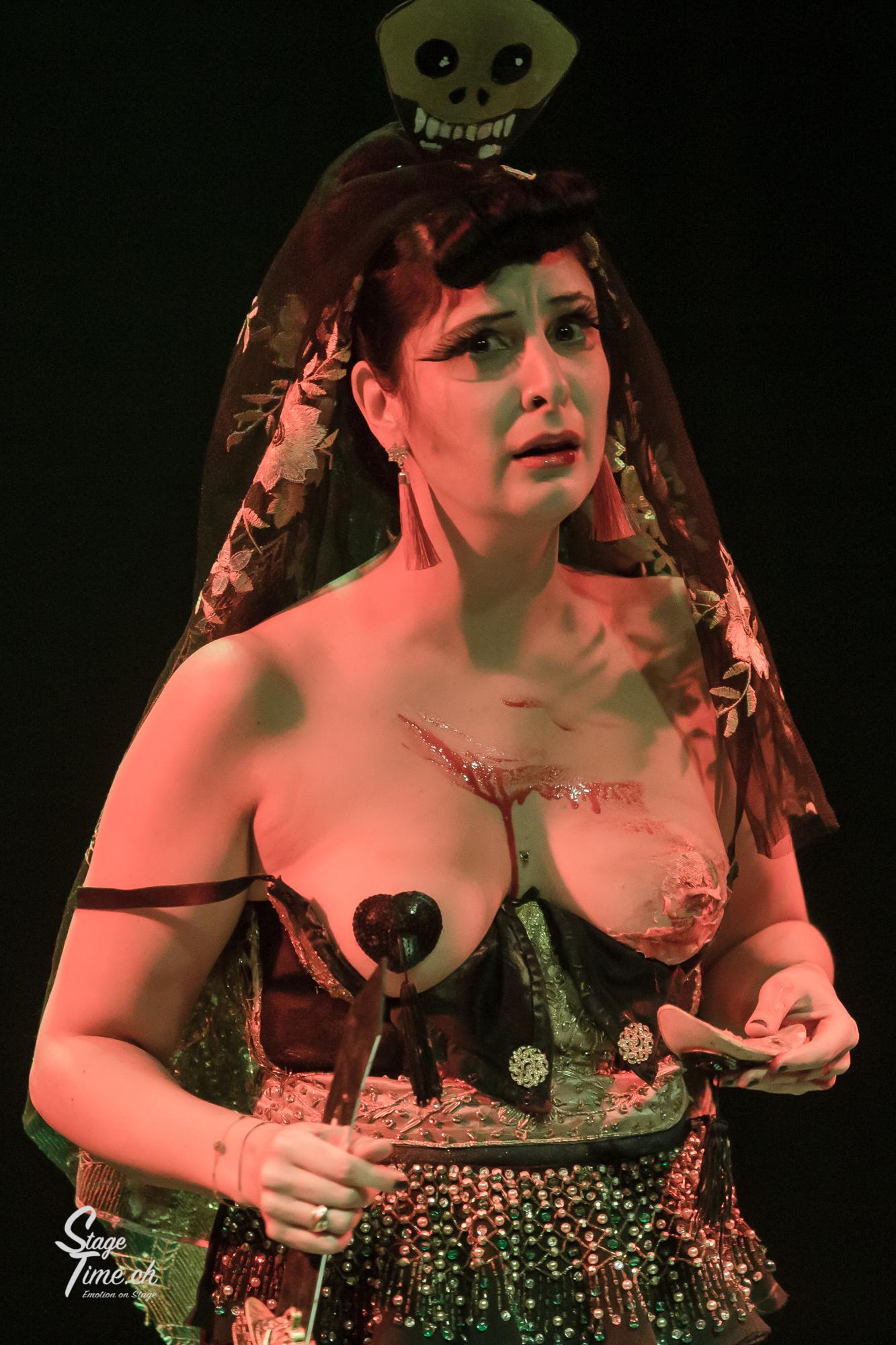 Miss_Harley_Queen___Burlesque_Show_au__C
