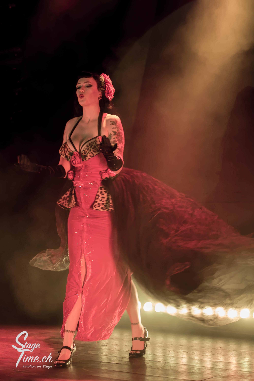 La_Viola_Vixen___Zurich_Burlesque_Festival-5