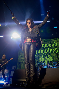 Alice_Cooper___Hollywood_Vampires-2
