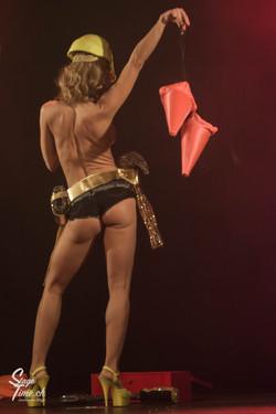 Cabaret_Lune_Noire_(Foto-_Christoph_Gurtner_-_Stagetime.ch)-89