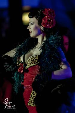 La_Viola_Vixen___Zurich_Burlesque_Festival
