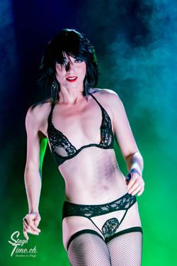 Michelle_L'amour___Zurich_Burlesque_Festival-10