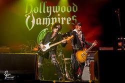 V.l.n.r.-_Joe_Perry_&Johnny_Depp___Hollywood_Vampires