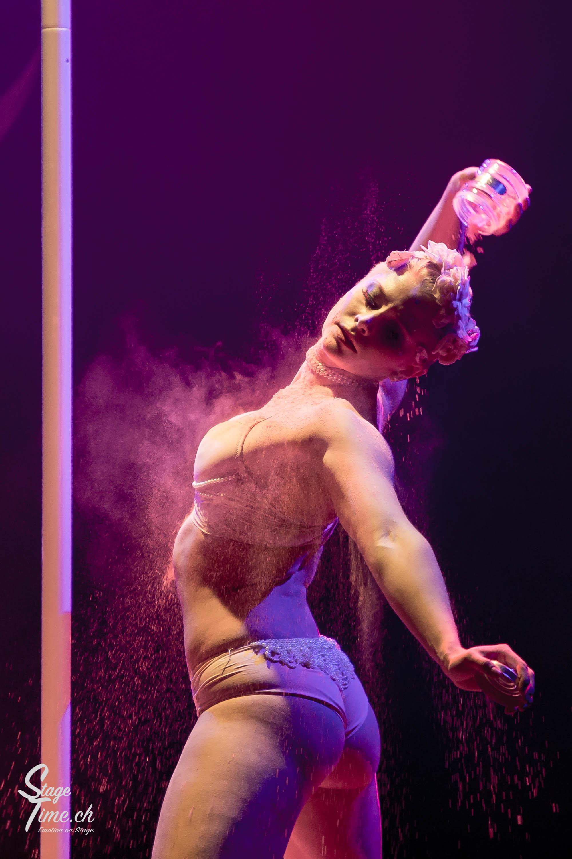 Cabaret_Lune_Noire_(Foto-_Christoph_Gurtner_-_Stagetime.ch)-57