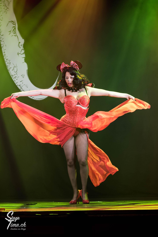 Cabaret_Lune_Noire_(Foto-_Christoph_Gurtner_-_Stagetime.ch)-9