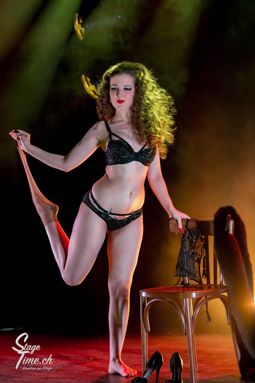 Minouche_von_Marabou_Akt_3___Zurich_Burlesque_Festival-4