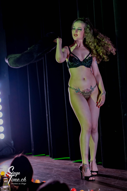 Minouche_von_Marabou_Akt_5___Zurich_Burlesque_Festival-2