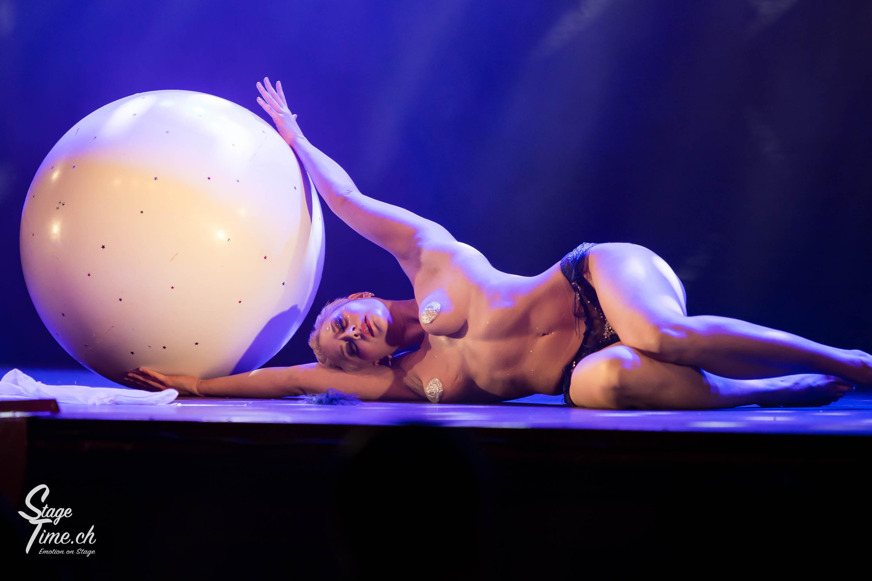 Cabaret_Lune_Noire_(Foto-_Christoph_Gurtner_-_Stagetime.ch)-19
