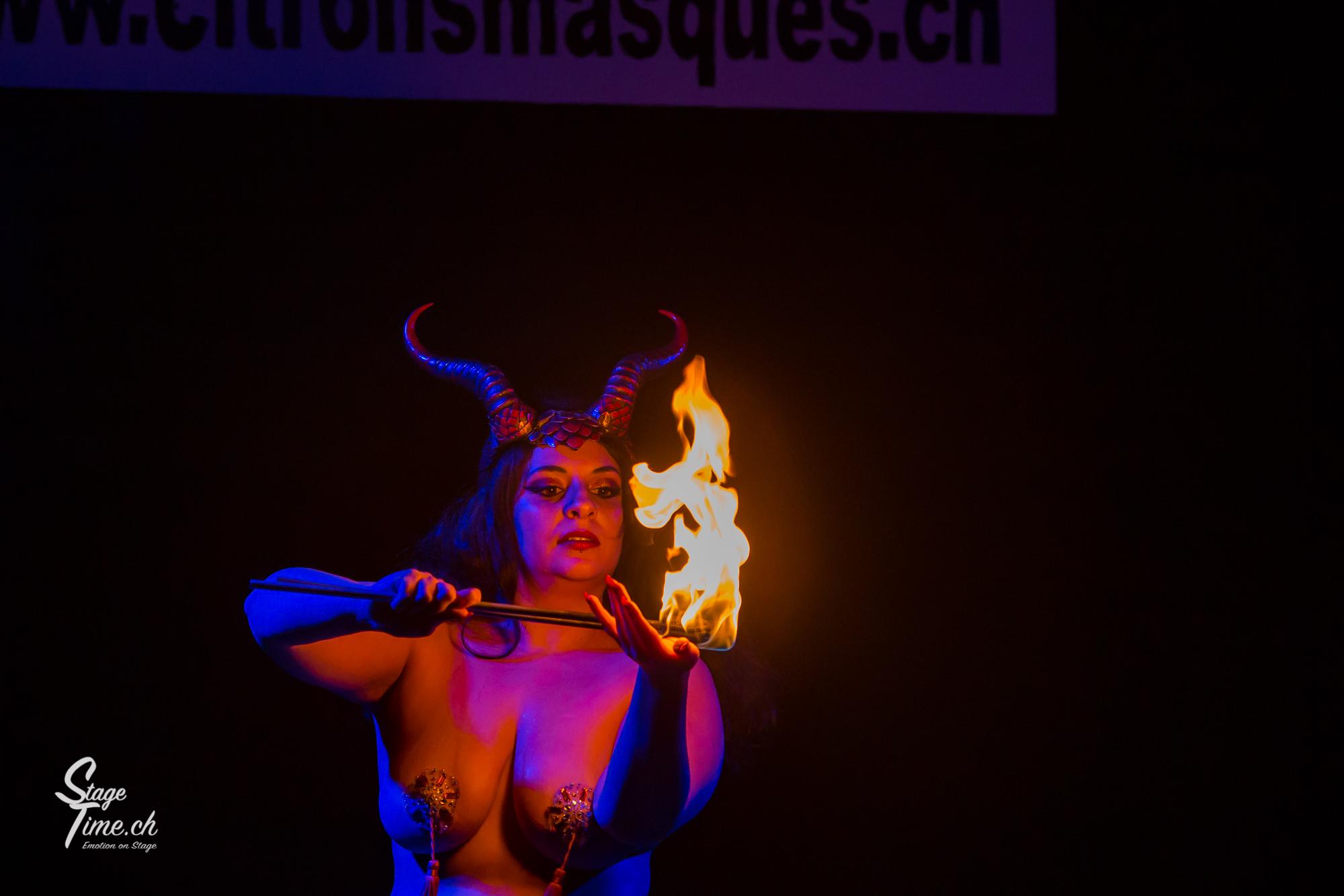 Misty_Lotus___Burlesque_Show_au__Citrons
