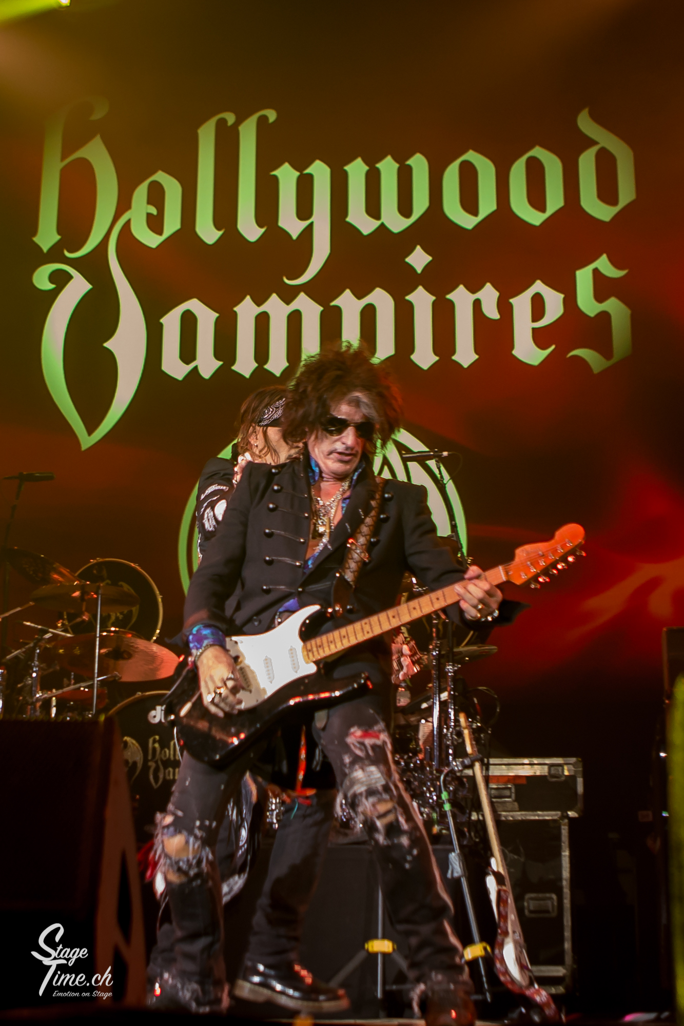 Joe_Perry___Hollywood_Vampires-2